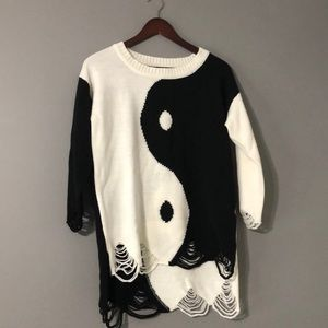 Unit yin yang sweater